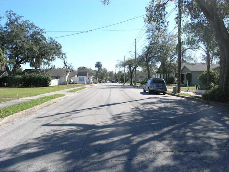 Property listing photo for 871 W LYMAN AVENUE