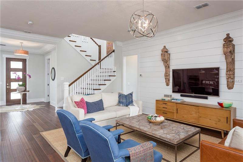 Property listing photo for 341 E KINGS WAY
