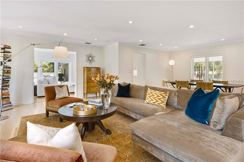 Property listing photo for 1122 VIA DEL MAR